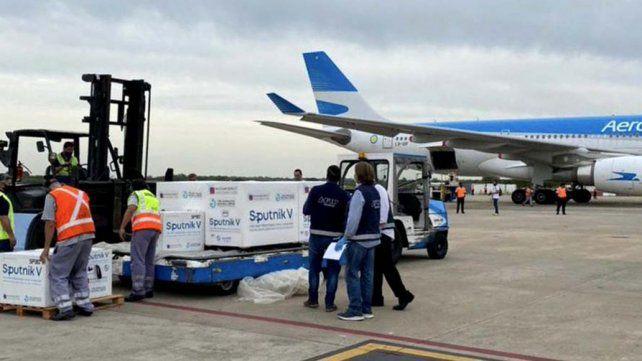 uno-los-vuelos-procedentes-moscu-arribados-la-terminal-ezeiza
